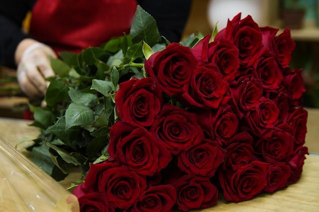 Potěšte svou milou krásnou kyticí růží